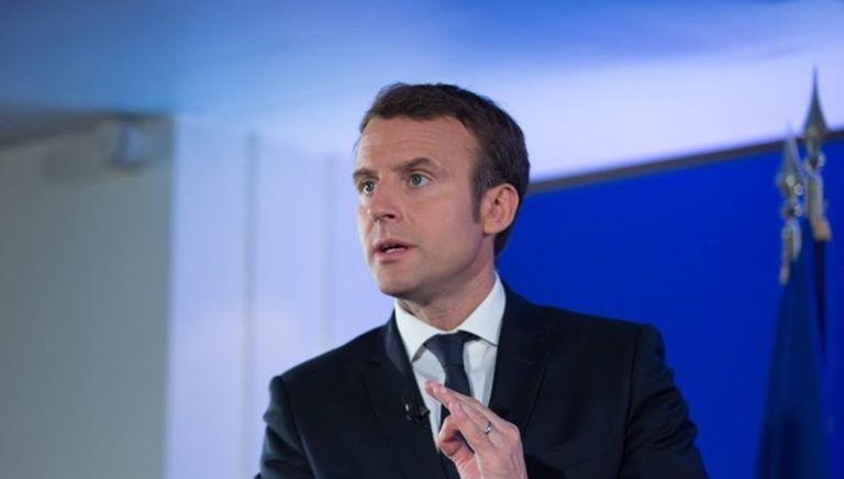 Emmanuel Macron lors d'une rencontre avec les associations ultramarines en avril 2017